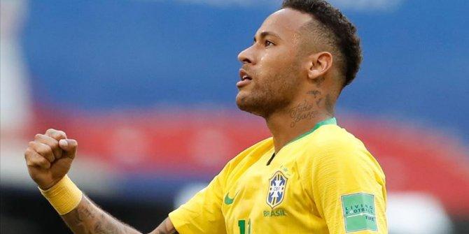 Brezilya'da Neymar 'dalya' diyen en genç oyuncu oldu