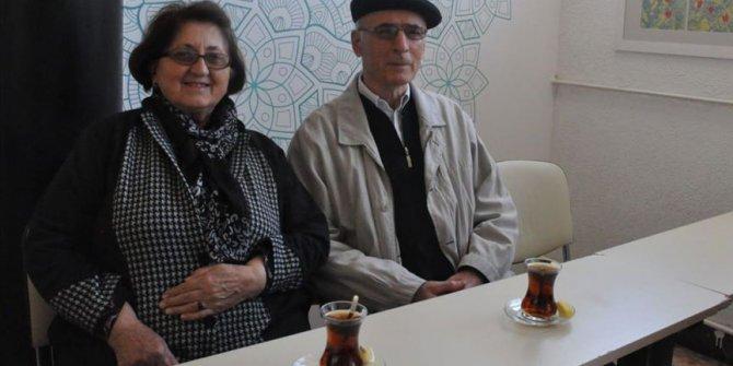 70'li Yaşlarında Türkçe Öğreniyorlar