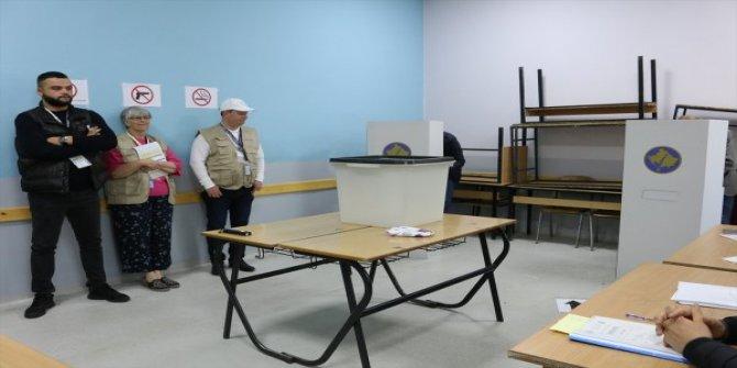 Kosova'da Sırbistan'dan gelen oy zarfları hastanelik etti