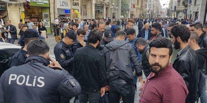 """Taksim'de büyük panik! """"Çantamda bomba var..."""""""