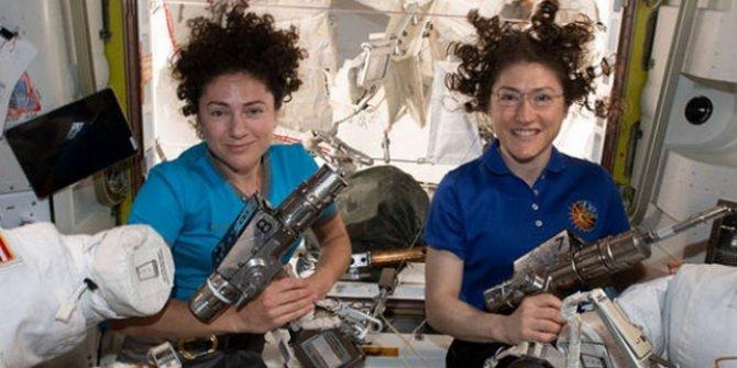NASA'dan bir ilk: Sadece kadınlardan oluşan ekip uzay yürüyüşü yaptı