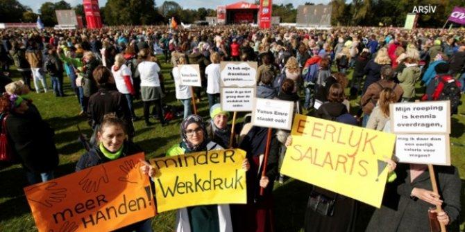 Ülkede binlerce öğretmen greve gitti