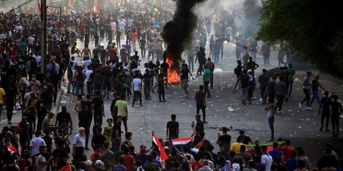 Irak'ın başkenti Bağdat'ta gösterilere katılan aktivist öldürüldü