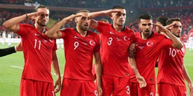 Hakan Çalhanoğlu'ndan Alman basınına asker selamı cevabı!