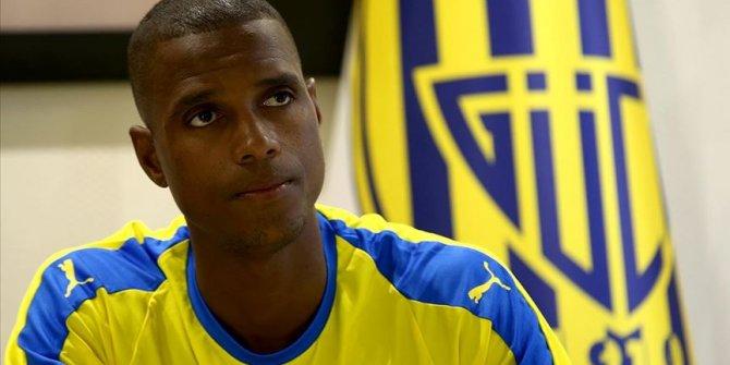 Ankaragüçlü Faty'den ırkçılık eleştirisi: FIFA ve UEFA işini düzgün yapmıyor