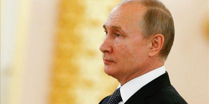 Putin teknolojik cihazlarda 'yerli yazılım şartı' yasasını imzaladı