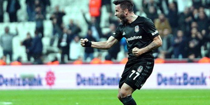 Beşiktaş'ta Gökhan Gönül, bu sezonki ilk golünü kaydetti