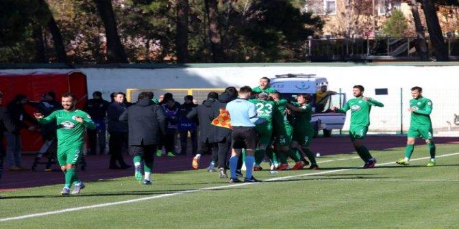 Kırklarelispor Gaziantep FK'yı 2-1 mağlup etti