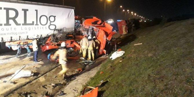İstanbul'da TEM Otoyolu'nda kaza!  1 ölü, 1 yaralı