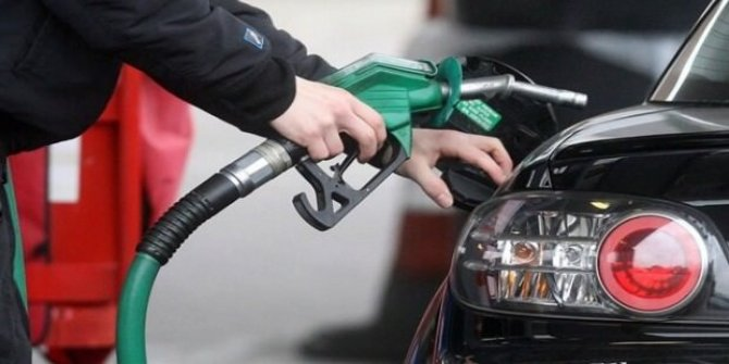 Benzin ve motorine indirim yapıldı