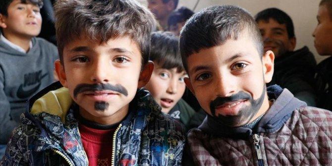 Gönüllüler Tiyatrosu Perdelerini Köy Çocukları İçin Açtı