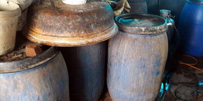 Bir evde satışa hazır 2 bin 310 litre sahte içki ele geçirildi