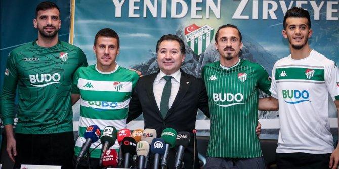 Bursaspor yeni transferlerine imza töreni düzenledi