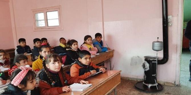 Resulayn'da ders başı yapan öğrencilere soba