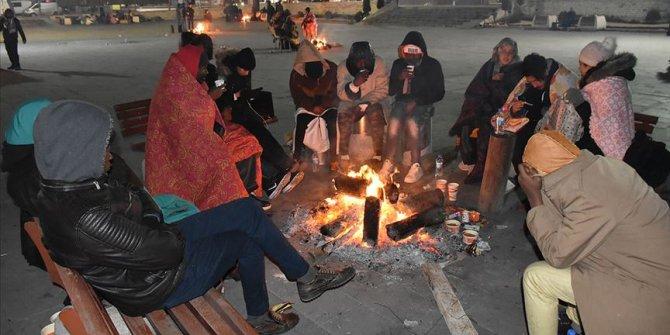 Elazığ'da çok sayıda aile geceyi dışarıda geçirdi