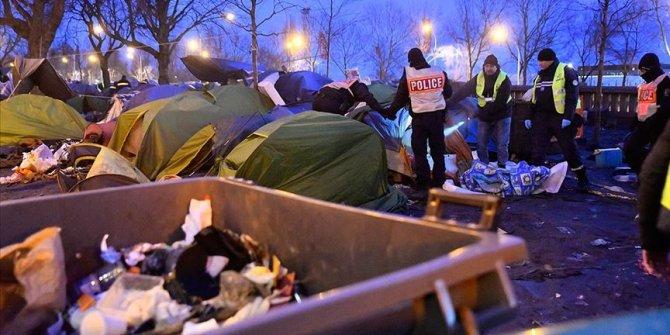 Paris'te 1400 düzensiz göçmenin kaldığı kamp tahliye edildi