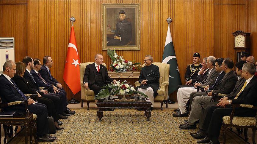 Erdoğan ile Pakistan Cumhurbaşkanı Alvi bir araya geldi