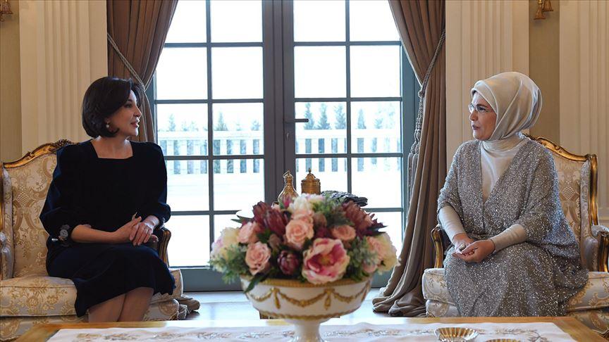 Emine Erdoğan Özbekistan Cumhurbaşkanı Mirziyoyev'in eşi ile görüştü