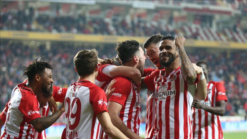 Antalyaspor'un yeni golcüleri hırs küpü