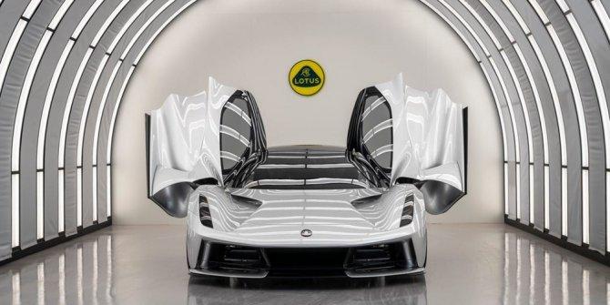 2.2 milyon dolarlık elektrikli otomobil için geri sayım