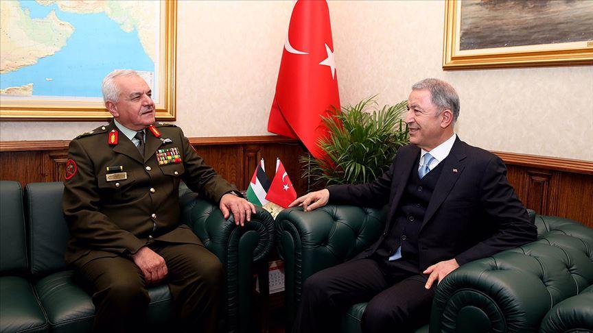 Bakan Akar Ürdün Genelkurmay Başkanını kabul etti