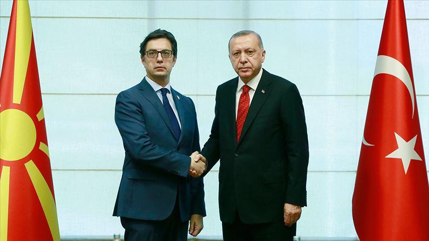 Erdoğan ile Pendarovski telefonda görüştü