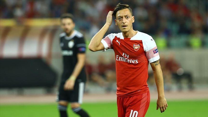 Fenerbahçe Mesut Özil'in transferi için görüşmelere başlandığını açıkladı
