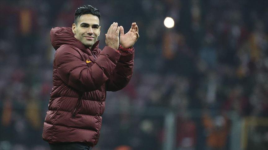 Falcao'dan, gol sevincinde Kovid-19 önlemine eleştiri