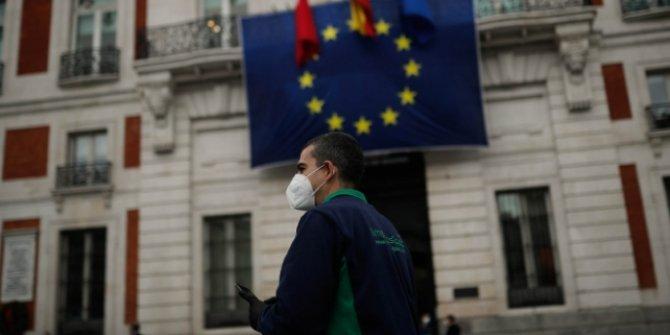 İspanya'da son 24 saatte 56 ölüm