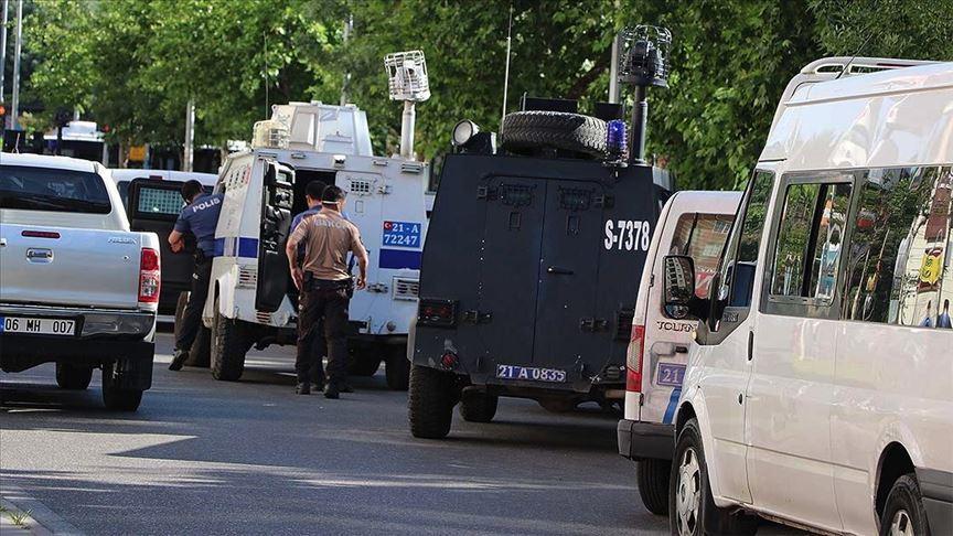 Polis memurunun şehit edildiği silahlı saldırıyla ilgili 2 şüpheli yakalandı