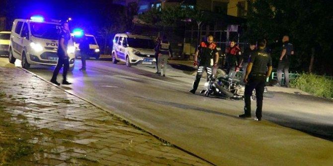Silahlı kavga ihbarına giden Yunus ekibine zanlıların minibüsü çarptı
