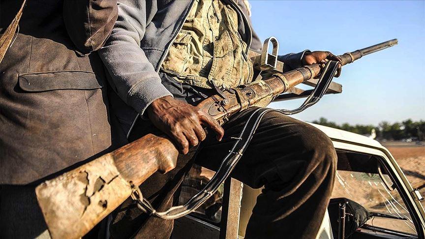 Nijerya'da silahlı çete üyesi 70 kişi öldürüldü