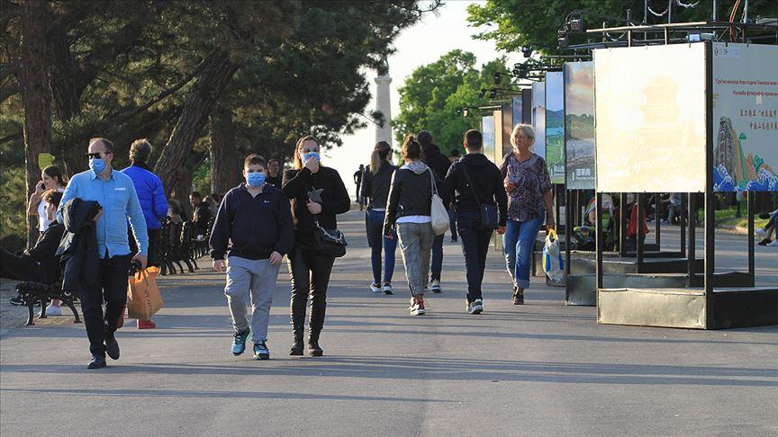 Balkanlar'da Kovid-19 vakaları yeniden artınca bazı önlemler geri getirildi