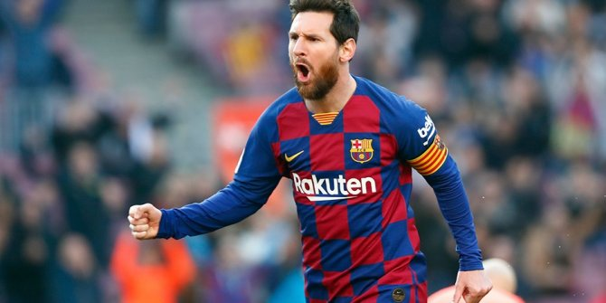 Lionel Messi, Barcelona formasıyla 700. golünü attı