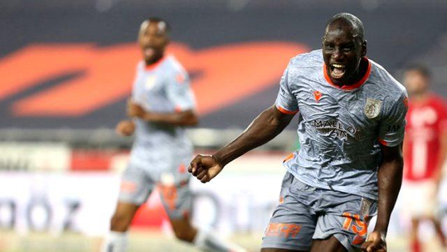 Başakşehir, deplasmanda Antalyaspor'u 2-0 mağlup etti