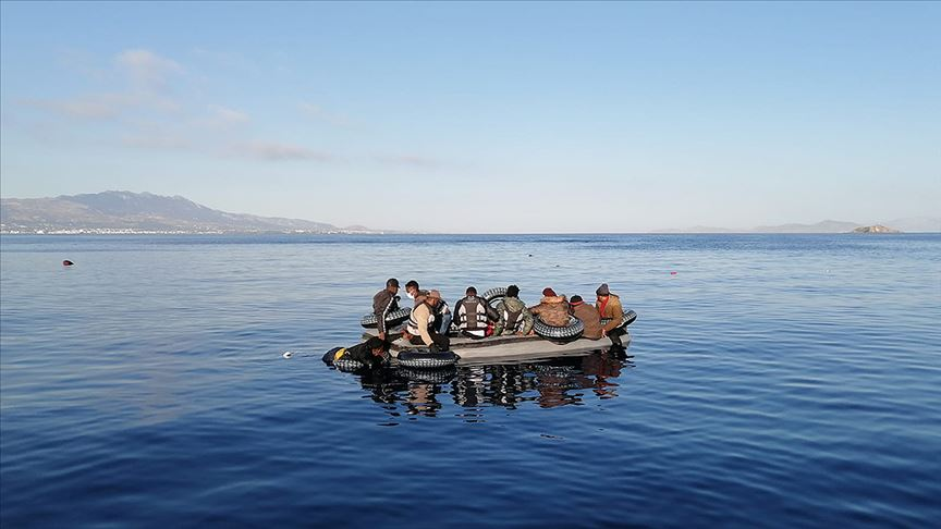 AB Yunanistan'dan sığınmacıların 'geri itildiği' iddialarını araştırmasını istedi