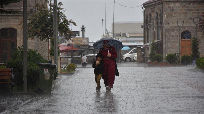 Meteorolojiden Doğu Karadeniz için 'şiddetli yağış' uyarısı