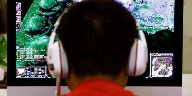 Uzun süre oynanan bilgisayar oyunu felce neden oldu