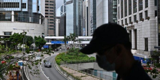 Hong Kong'da Covid-19 nedeniyle okullar erken tatil edildi