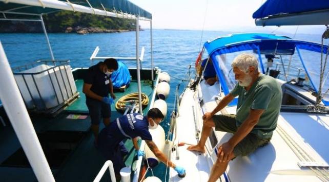 Muğla'da teknelerden 420 bin 288 poşet katı atık toplandı