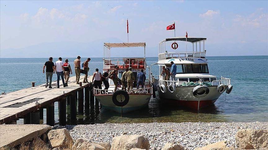 Van Gölü'nde teknenin batması sonucu kaybolan 4 kişinin daha cesedi bulundu