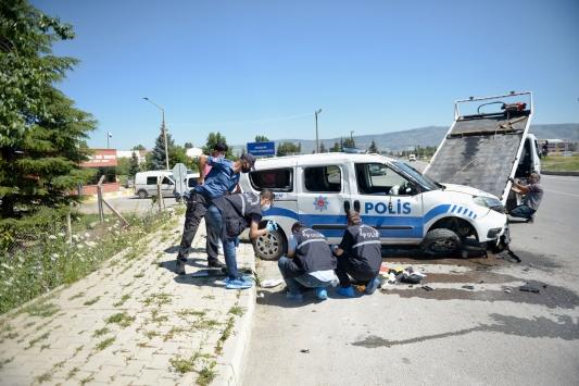 Eskişehir'de polis aracı devrildi: 2 yaralı