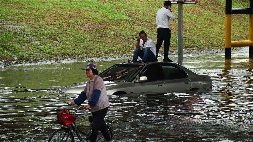 Çin'de göllerde ve nehirlerde su seviyesi tehlikeli şekilde yükseliyor