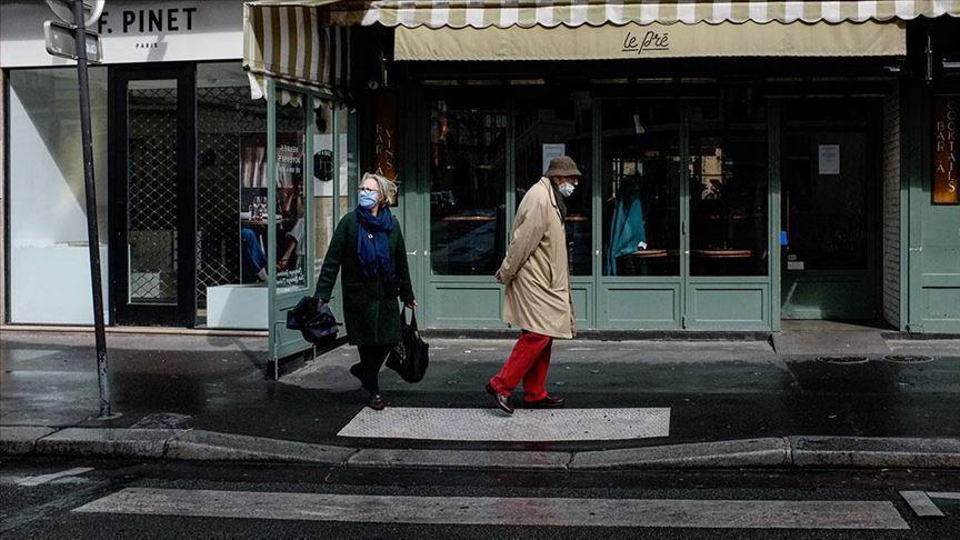 Fransa'da ülke çapında maske zorunluluğu başlıyor