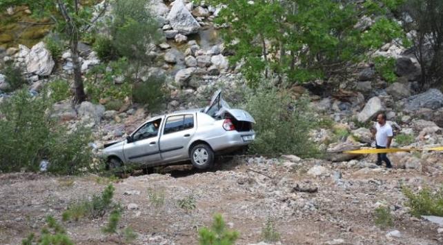 Antalya'da otomobil uçuruma yuvarlandı: 3 ölü, 4 yaralı