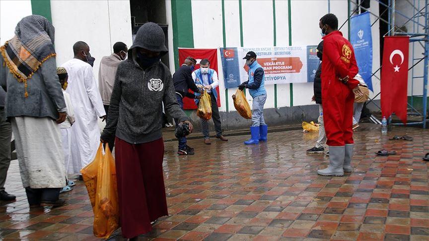 TDV, Etiyopya ve Nijerya'da ihtiyaç sahiplerine kurban eti ulaştırdı