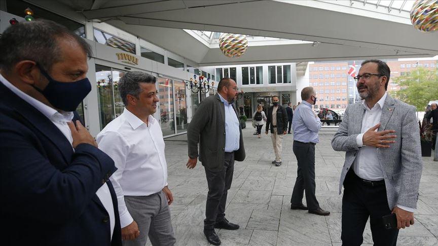 Bakan Kasapoğlu'ndan Medipol Başakşehir'e destek ziyareti