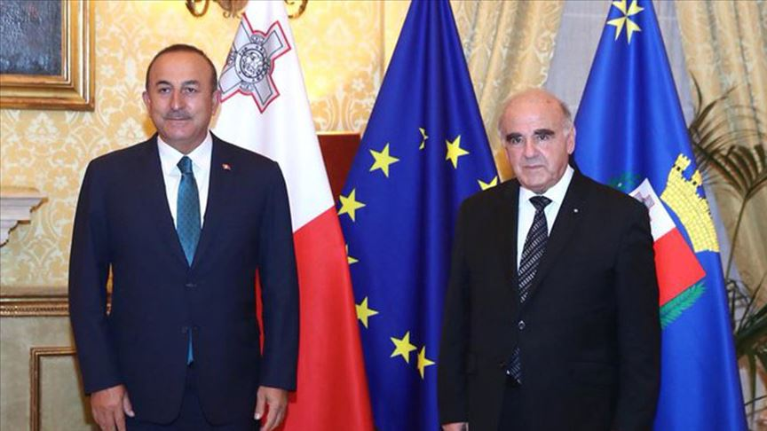 Dışişleri Bakanı Mevlüt Çavuşoğlu, Malta Cumhurbaşkanı George Vella tarafından kabul edildi.