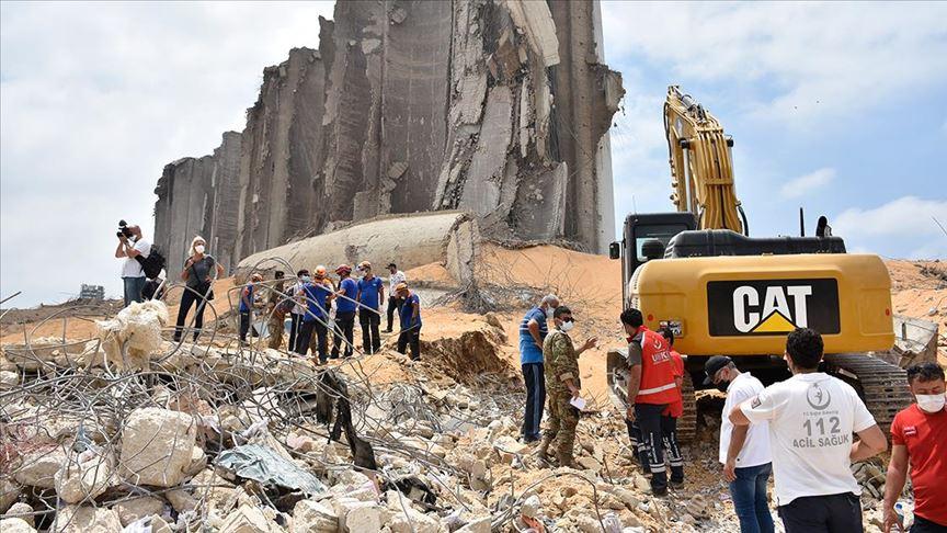 Türkiye'den giden kurtarma ekibi, Beyrut Limanı'nda faaliyet yürütüyor