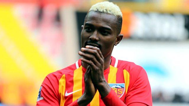 Galatasaray, Kayserisporlu Mensah'a teklif yaptı